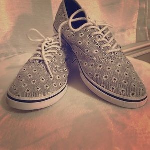 Limited Edition Daisy Vans Authentic Lo Pro
